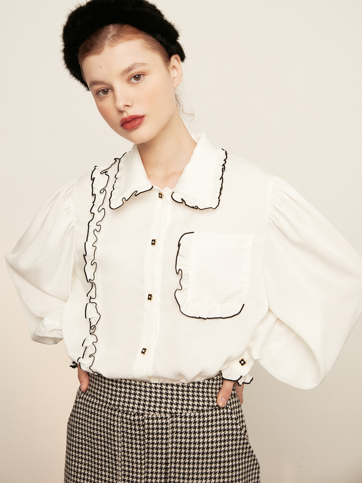 pocket ruffle blouse_silky white