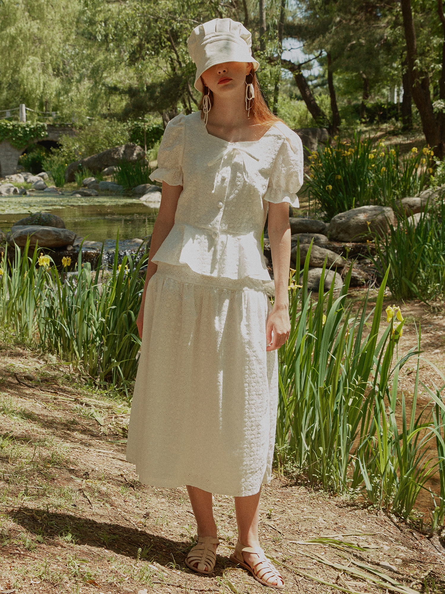 [SET] Lace flare blouse_white & Lace shirring long skirt_white