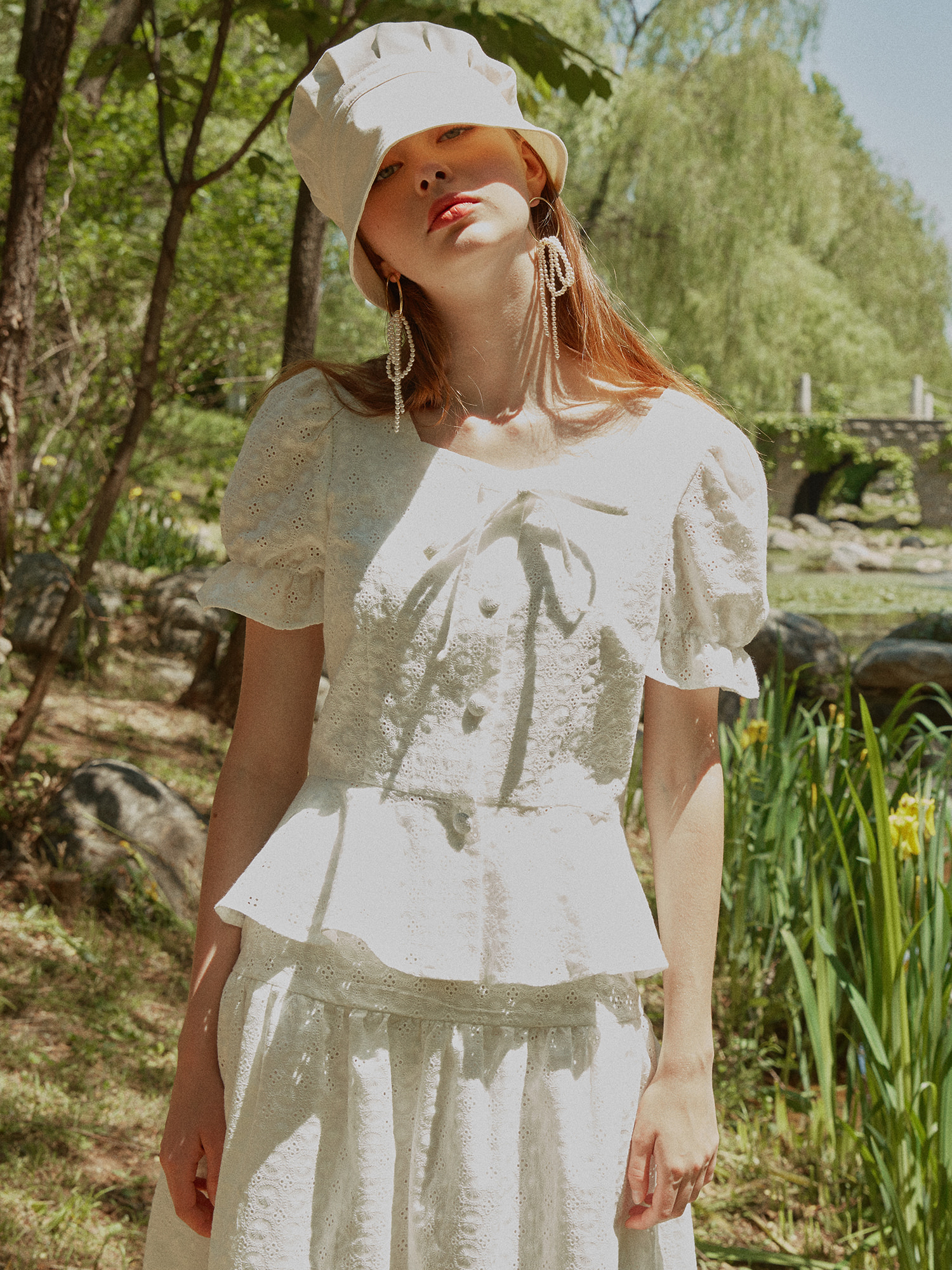 Lace flare blouse_white
