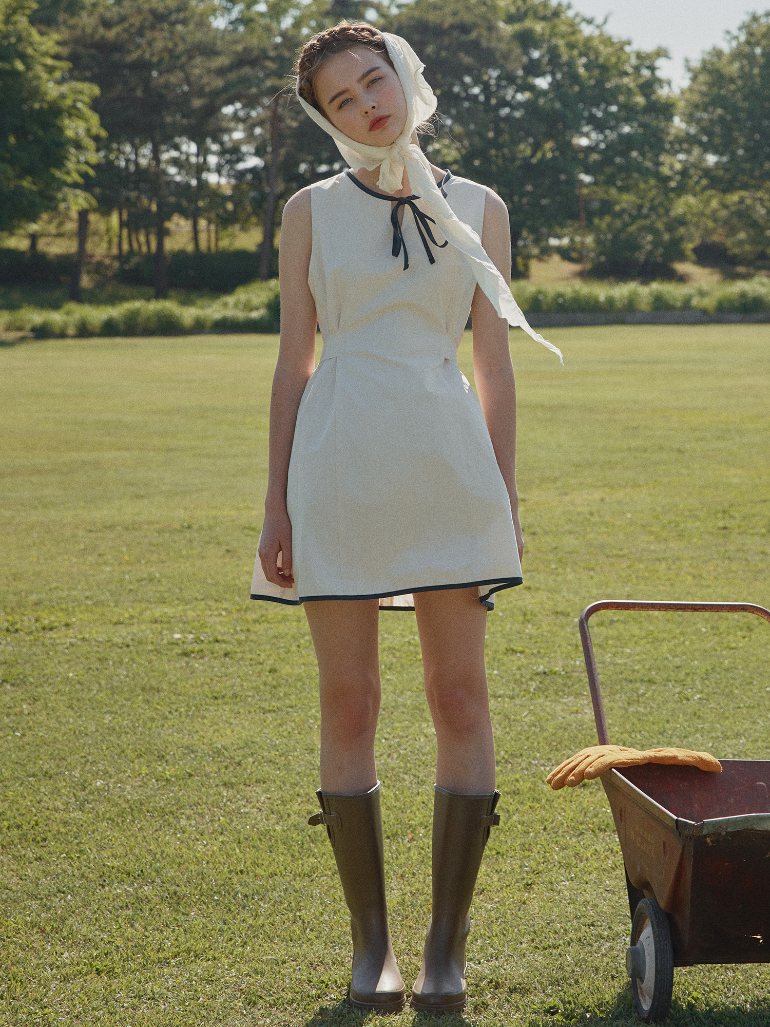 [SOLD OUT] Back ribbon one-piece_ivory